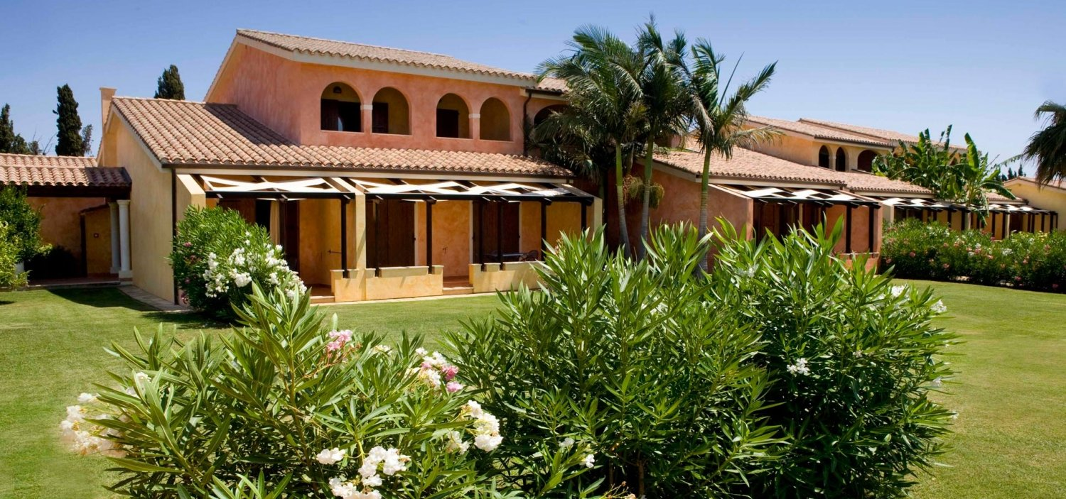Lantana-Resort-–-hotel rooms in Sardinia