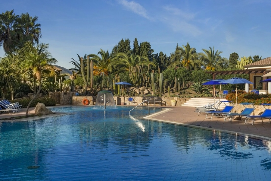 the-pool-hotel-a-Pula-Sardegna.jpg