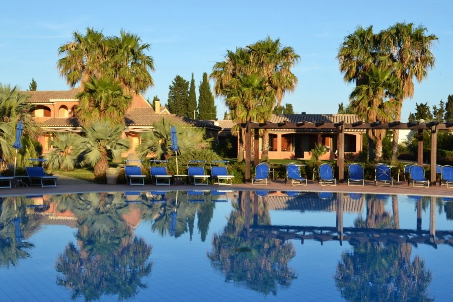 residence-with-pool-in-Sardegna.jpg